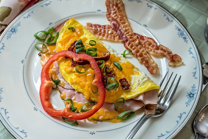Breakfast - Ham and Cheese Omelette
